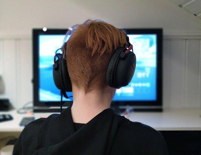 Nechajte svoje deti hrať videohry – veď žijeme v pandémii