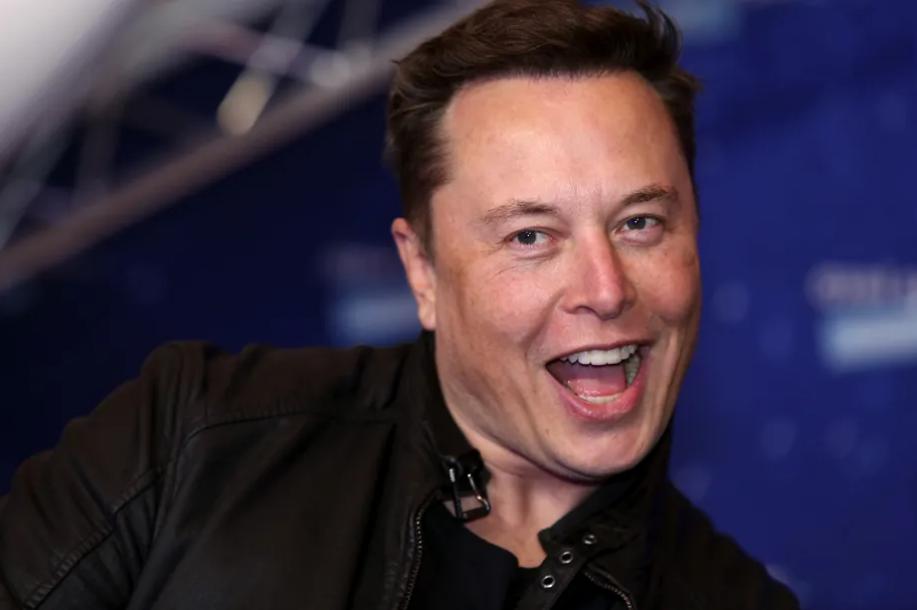 Musk: Ak sa potvrdí použitie vozidiel na špionáž v Číne, Teslu odstavíme
